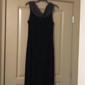 Robbie Bee Formal Long Dress, size 14, black